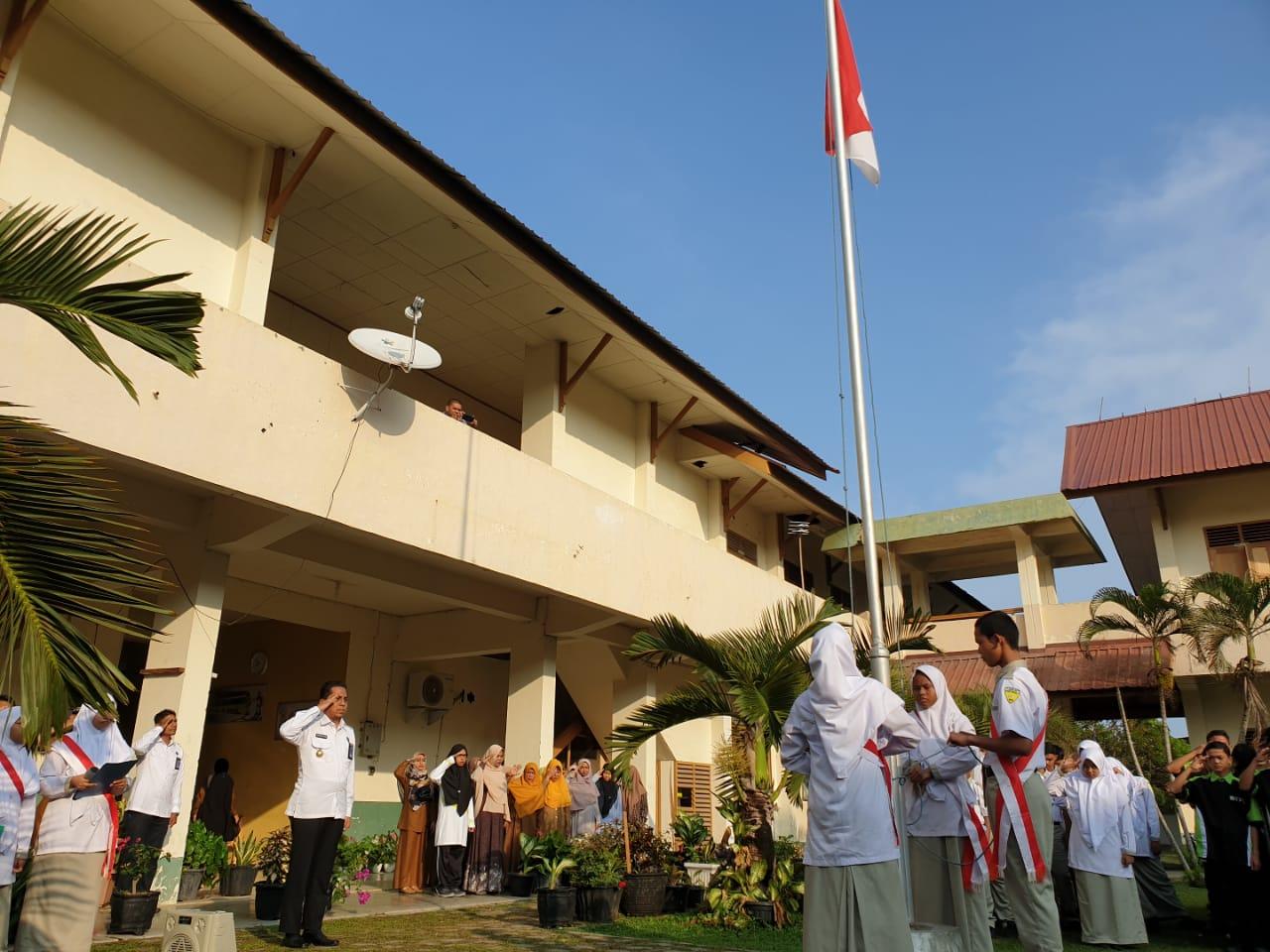Kepala Bnn Kota Banda Aceh Jadi Pembina Upacara Di Smk Telkom